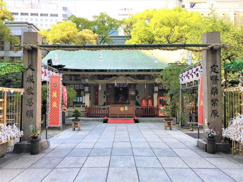 露天神社に祀られる神様と御利益とは