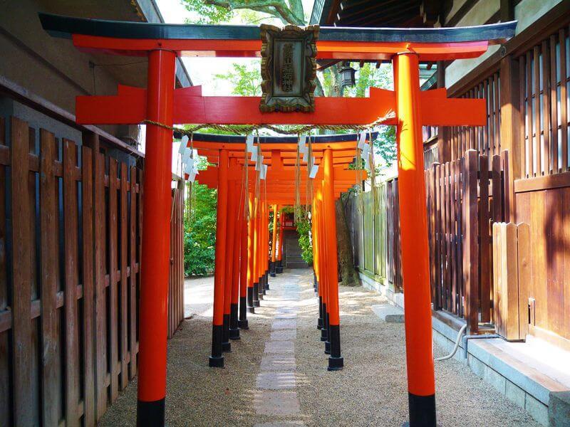 家康を守った茶臼山稲荷神社