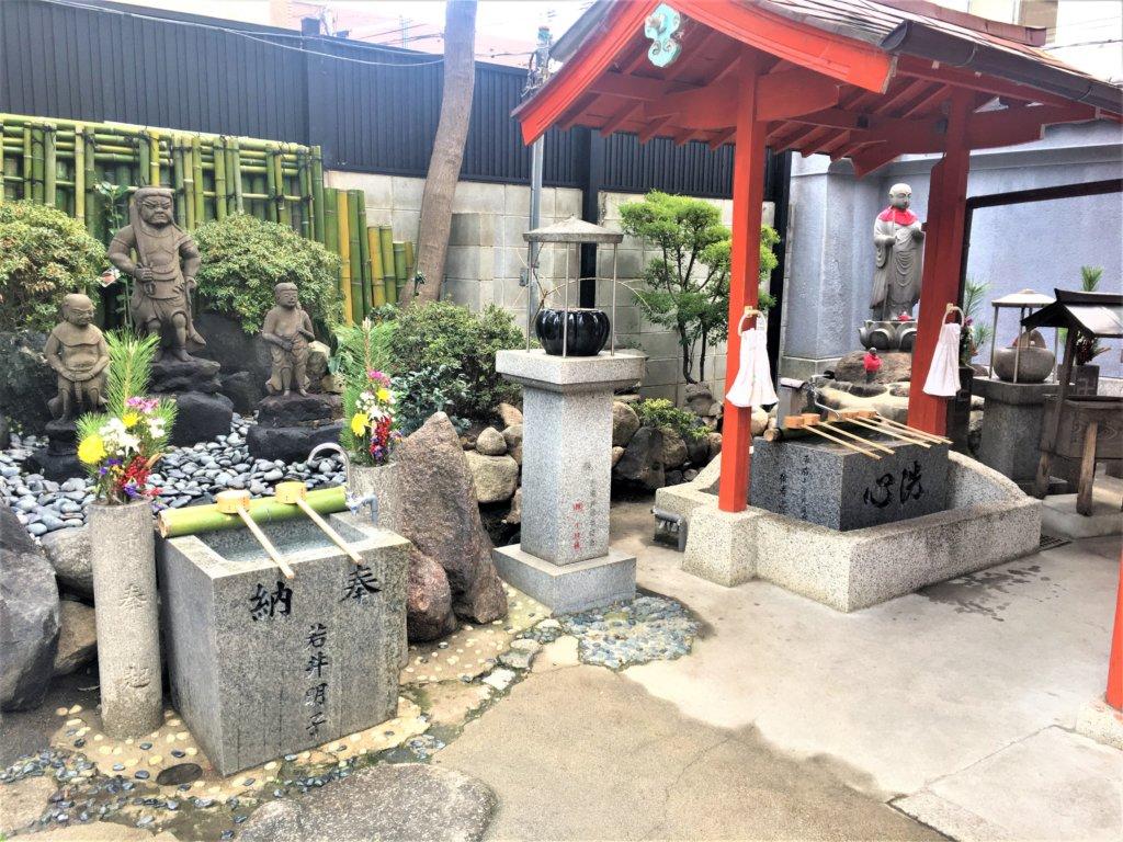 七福神めぐりの一つ、知恵財宝の弁財天を祀る法安寺