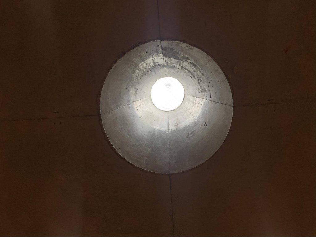 静寂の円筒状のスペース